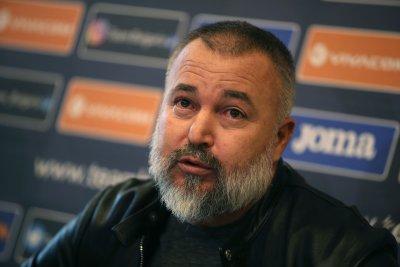 Ясен Петров обяви списъка с чужденците