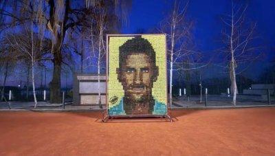 Ликът на Джокович от топки за тенис краси Белград