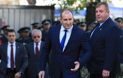 Изненада: Радев похвали Каракачанов