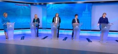 Пет дами в политически дуел на Осми март