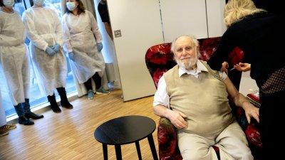 """И Дания одобри """"АстраЗенека"""" за хора над 65 години"""
