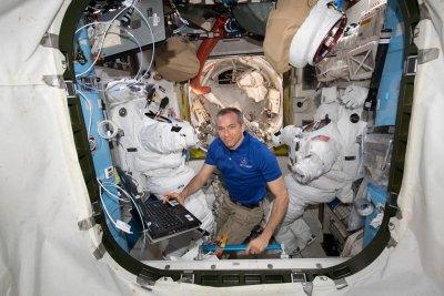 НАСА увеличи цените на доставките до МКС