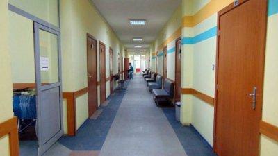 Спира се плановият прием в болниците в София и в още няколко области