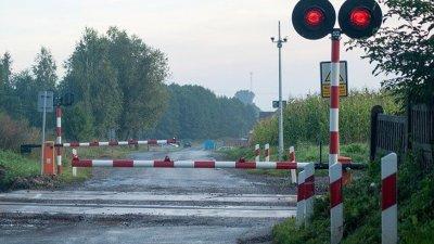 Кошмар: На 20 метра изхвърчала колата, пометена от локомотив край Пловдив