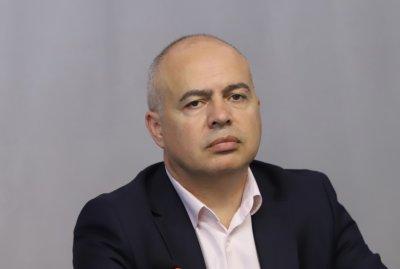 """Свиленски: Летище """"София"""" остава без концесионна такса"""