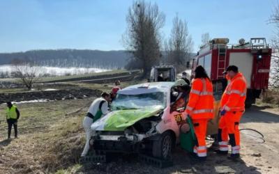 Тежка катастрофа вкара в болница в Румъния наш рали пилот