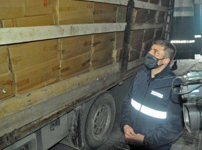 Удариха незаконни фабрики за цигари в Пловдив, арестуван е бизнесмен