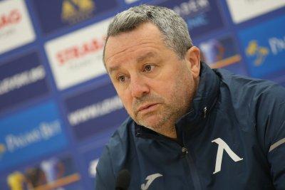 Славиша Стоянович остава в болница, аут още две седмици