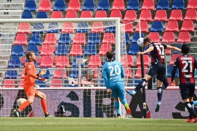 Антов порита малко при внушителна победа на Болоня