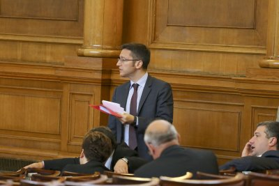 Вигенин оптимист за парламентаризма с новите депутати