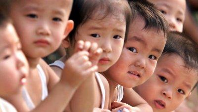 Китай премахва ограничението за броя деца в семейство?