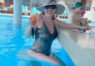 Кичка Бодурова показва прелести в Мексико