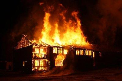 Ужас: 13 пациенти с коронавирус изгоряха живи в болница в Мумбай