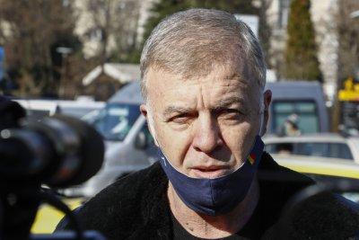 Сираков увери: Левски няма да играе при аматьорите