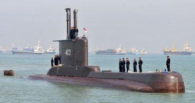 Още няма следа от изчезналата индонезийска подводница