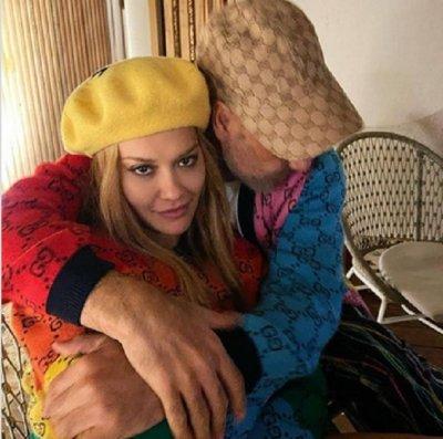 Рита Ора върти тайна любов с режисьора Тайка Уайтити