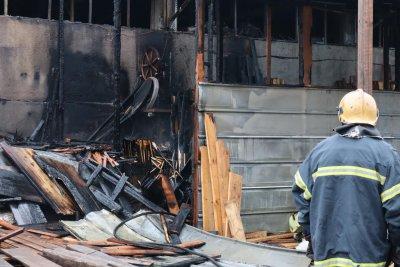 Пожар горя в депо за отпадъци край Девня