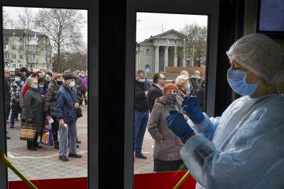 56% от руснаците не се страхуват от коронавируса