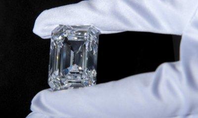 Най-големият диамант се продаде за $14 млн.