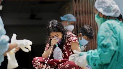 Европейската агенция: Ваксините май пазят от индийския щам