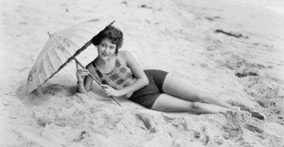 Странностите на плажуването преди 120 години