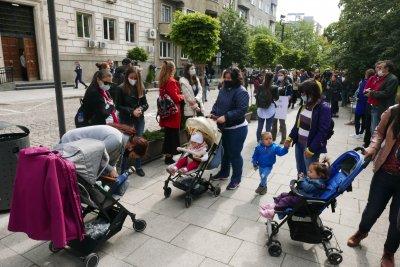 Хаос с класирането на децата в столичните градини и ясли