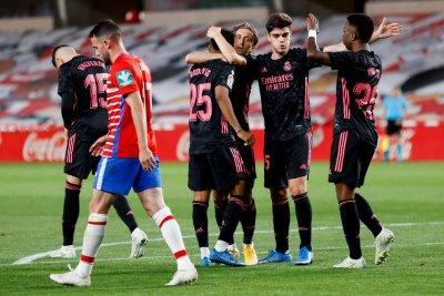 Реал пристика Атлетико - две точки разлика два кръга преди края
