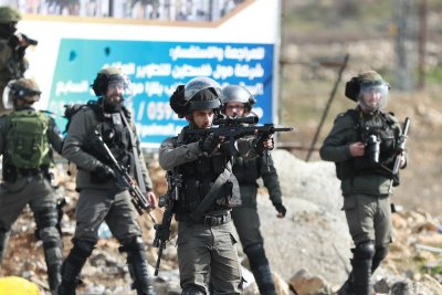 Израелската армия чака одобрение за нахлуване в Газа