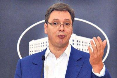 Вучич вдига средната заплата в Сърбия на 600 евро