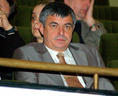 Стефан Софиянски зове: Спешно да се промени анти COVID-програмата