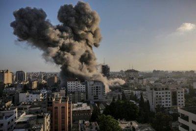 """""""Хамас"""" удари Израел с ракети"""
