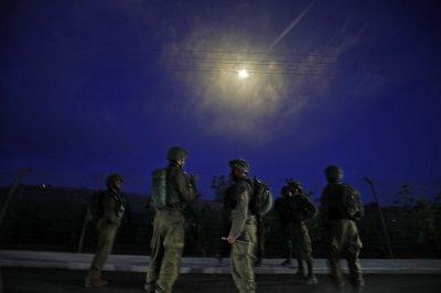 Близкият Изток пламна - ракети валят между Ливан и Израел