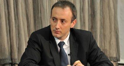 Министър Вълчев: Не са утвърдени новите учебници по история