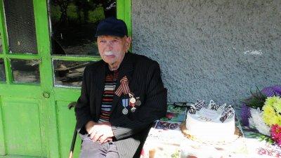 Якуб Якубов чукна 100 години