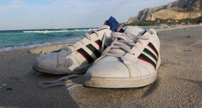Как да не понамирисват обувките ни през лятото