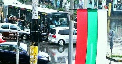 Катастрофа с автобус в центъра на Варна