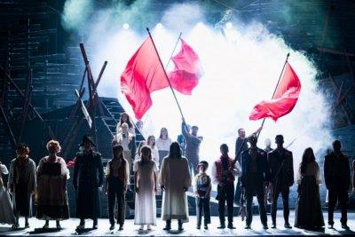 """Най-играният мюзикъл в света """"Клетниците"""" отново завладява Софийската опера"""