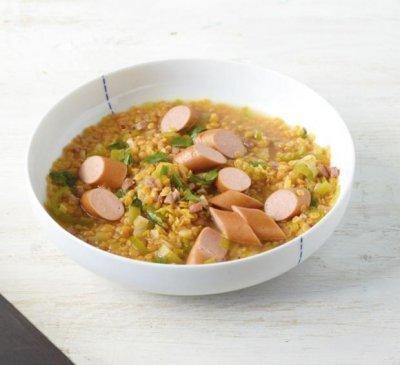 Супа леща с кренвирши и бекон