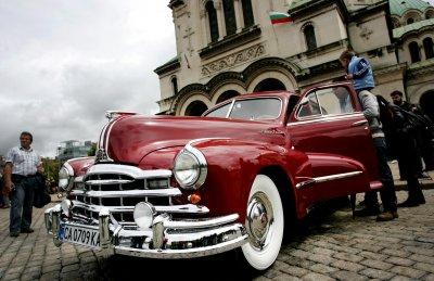 Традиция: Парад на ретро автомобили в София