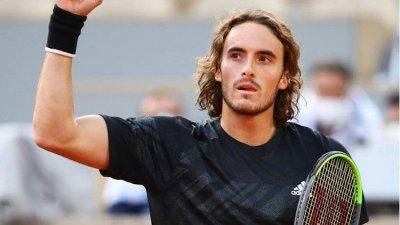 Циципас научил за смъртта на баба си минути преди финала в Париж