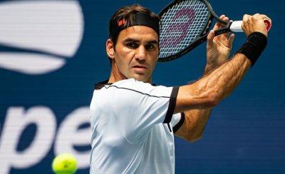 Федерер стартира с победа в Хале