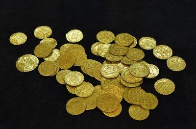 Откриха най-голямото златно съкровище от монети