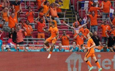 Нидерландия - третият 1/8-финалист на Европейското