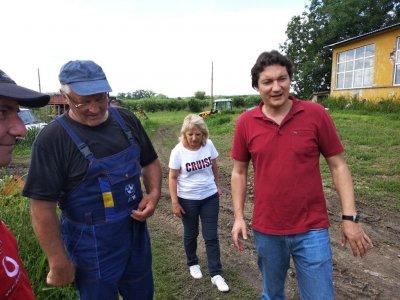Не е шега: Крум Зарков брани черешите в Русе