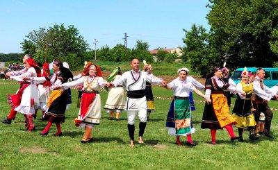 Мистерията на българското хоро