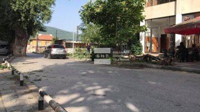 Дете пострада след удар на кола в дърво в село Устина