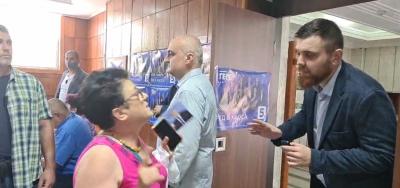 """СКАНДАЛ: """"Да, България"""" нахлу при Борисов в Тутракан (ВИДЕО)"""