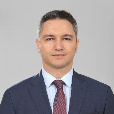"""Вигенин скандално: Слави Трифонов е преносител на вируса """"ГЕРБ"""""""