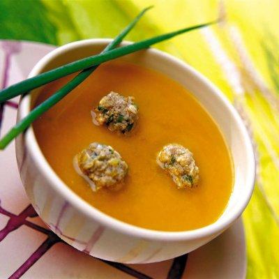 Доматена супа топчета с 4 билки