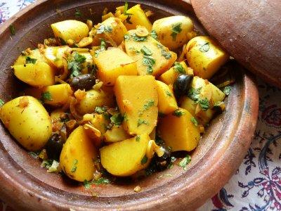 Печени картофи с маслини и пресен риган